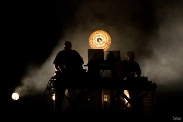 Presque un an après son lancement, l'association franco-anglaise, Brain Damage meets Vibronics, continue de faire de belles étincelles musicales.