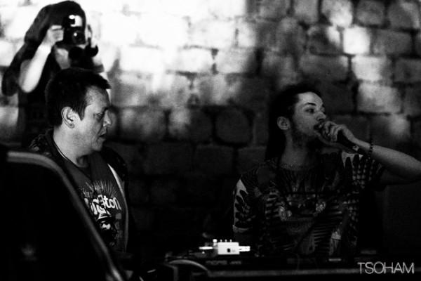 Immanquable ensuite la rencontre inédite entre les deux producteurs stepper : le Londonien Dougie Wardrop à gauche et le Toulousain Ackboo, à droite!