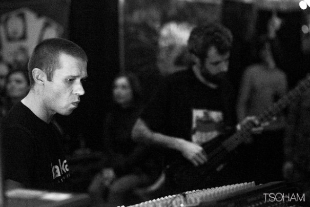 Sur les coups de minuit de demi, Kanka et son bassiste Chris B ont envoyé des basses obèses devant plus de 2000 personnes!
