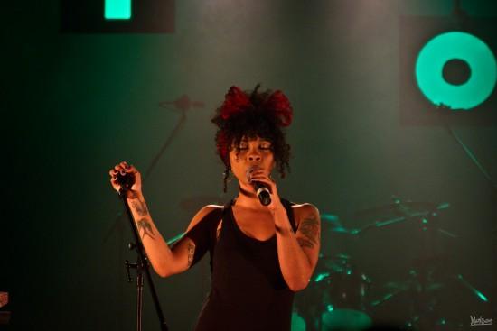 La chanteuse Hollie Cook.