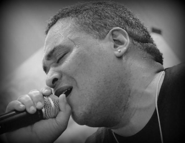 ... le wicked singjay Troy Berkley au micro !