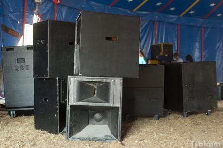 C'est aussi l'heure du montage dans la Sound Meeting Arena pour Word Sound & Power...