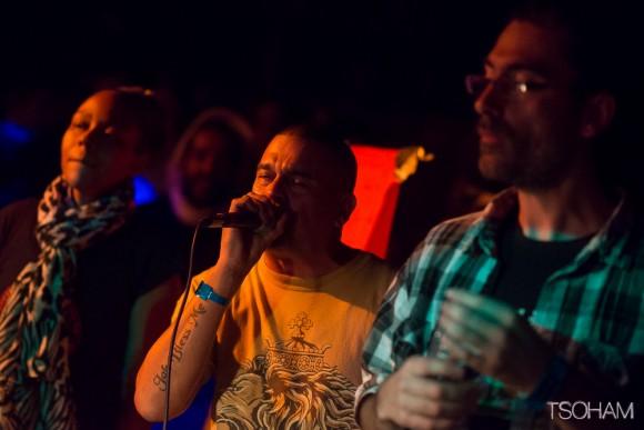 Joli trio de vocalistes : Nish Wadada, Pablo de Reality Souljah et MC Oliva de BBJ.