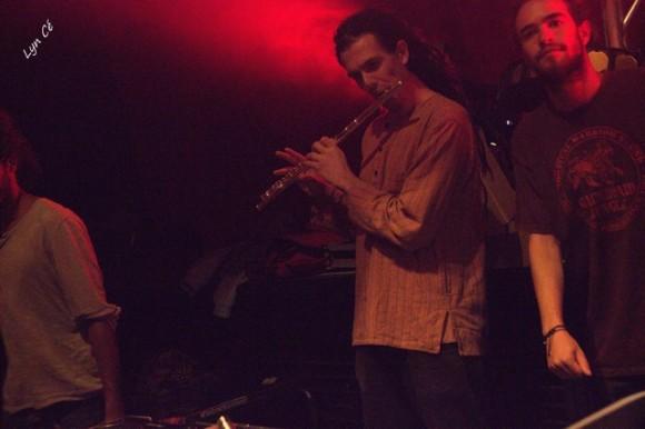 Hervé, bassiste du groupe Moja et à la flûte pour accompagner quelques versions de RDH.