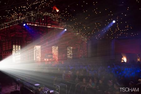 Le Stand High hall tout en jeu de lumières.