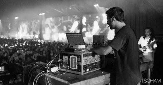 Le producteur lyonnais essaie de s'inscrire dans une filiation dub live en remixant un morceau phare d'High Tone.