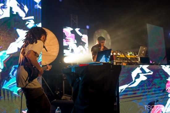 Ici, avec Bruno de Massive Dub Corporation, Panda Dub s'inscrit dans une filiation du live français qui a émergé il y a une quinzaine d'années.