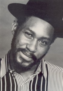 Le chanteur anglo-jamaïcain Vivian Jones.
