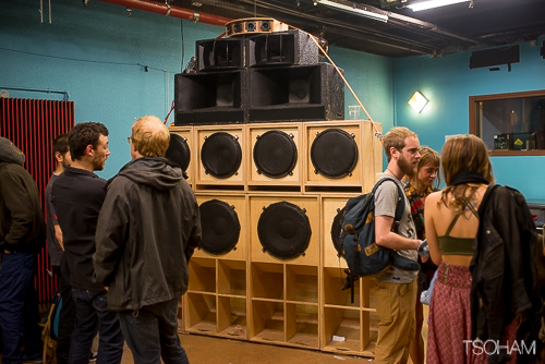 Le sound system d'High Bass et ses quatre scoops pour sonoriser la session !