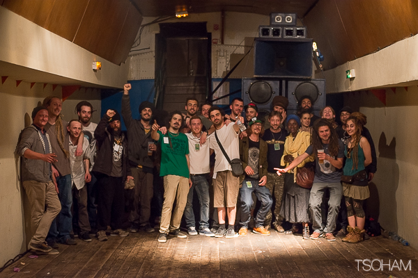 Tous les acteurs (artistes, bénévoles...) de cette session réunis avec de notamment, de nombreuses