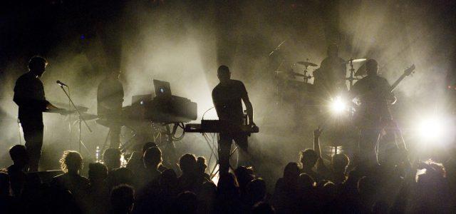 DUB INTERVIEW ! Voilà vingt ans que Kaly Live Dub défriche les chemins de la musique dub. Pour marquer le coup, le groupe sort un 45 Tours collector sur le […]