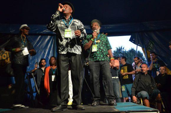 Chanteur le moins connu du plateau, Robert Dallas s'est montré plein de justesse dans son chant.