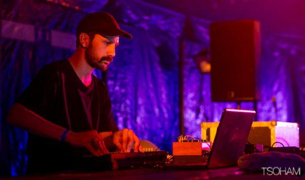 Live très expérimental pour Jay Glass Dubs dans le Grolsch Corner, juste après Panda Dub.
