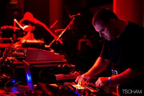 Le producteur italien Voodoo Tapes à l'oeuvre avec son dub électro minimaliste.