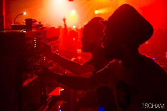 Chalice sound system a ensuite repris le contrôle de son sound system jusqu'à 03h30 du matin.