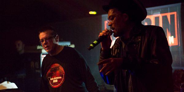 Samedi 25 mars, se tenait la première édition du 93 Dub Club au Canal 93 de Bobigny (Seine Saint-Denis). Organisée et sonorisée par Nyabin sound system, la session accueillait les […]