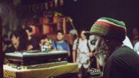 L'un des tout meilleurs sound systems reggae fêtait ses 40 ans d'activité musicale à Brixton, le quartierjamaïcain de Londres. Accompagné d'une pléiade devocalistes, Channel One entendait démontrer cette nuit-là qu'il […]