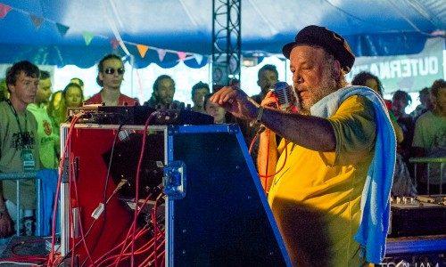 À l'affiche du tout premier Dub Camp en 2014, le producteur Gussie P est revenu cet été au festival, cinq ans plus tard. Résultat, une belle session résolument roots & […]