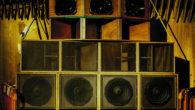 Vendredi dernier, la salle festive Nantes Erdre affichait complet pour une rencontre originale entre les locaux de Melodub sound system, le chanteur anglais Charlie P et sa team Boxman Records et les Mancuniens de Freedom Masses. Retour sur l'événement avec l'article de François et les superbes photos d'Antoine.