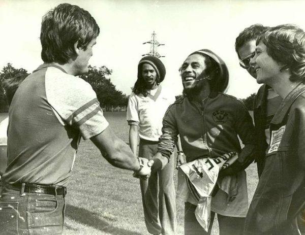 1980 Bob Marley avec Budzynski © Jacky Péault PO