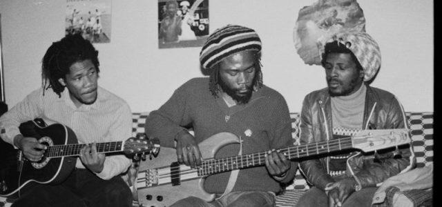 Les archives du reggae n'ont pas encore livré tous leurs trésors, Musical Echoes vous propose ainsi des focus sur des concerts et sound systems historiques. Quatrième volet, un concert très […]